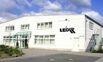 LECAR-Lichtsysteme-Firmensitz-Leuchtenproduktion-Rösrath-Small