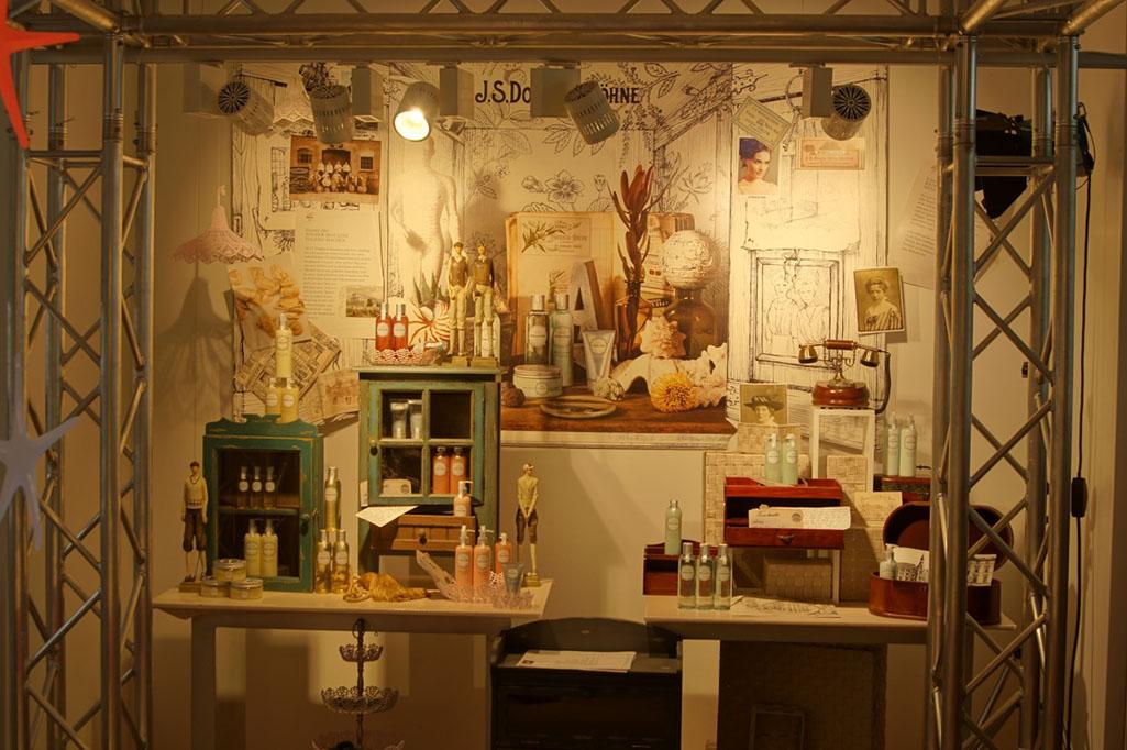 Beleuchtung einer Ausstellung - Douglas Zentrale Hagen
